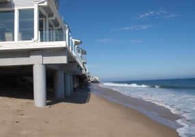 4000 bunnie lane,malibu,California,Houses,bunnie lane,1001